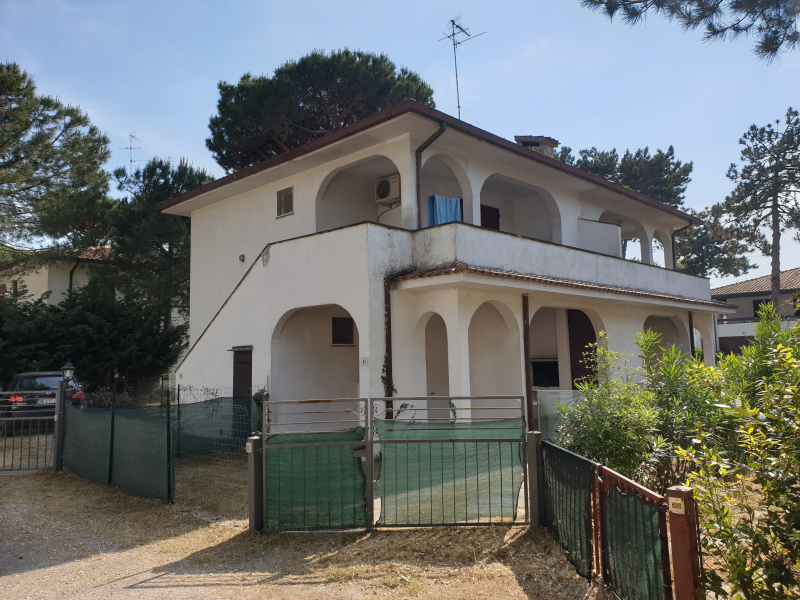 Small villa on the ground floor, with independent entrance and garden with parking space for rent in Lido degli Estensi - Veb 59