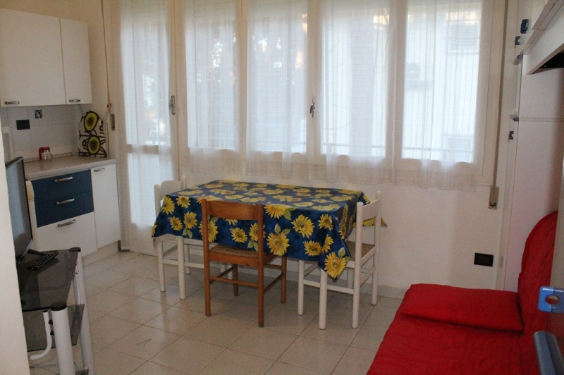 Two-room apartment near the center and near the sea for rent in Lido degli Estensi - San Remo 1