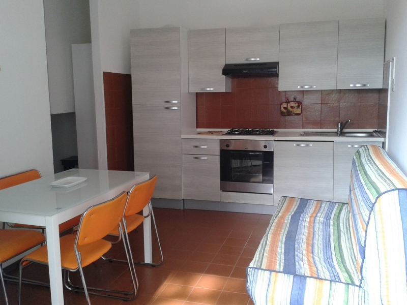 Lido degli Estensi for summer rental two-room apartment with parking space - Macchie A
