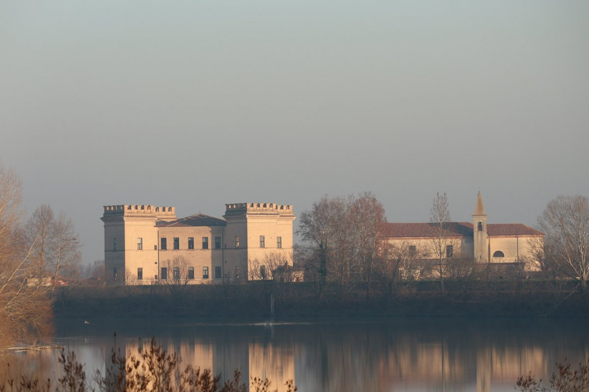 Mesola and its Castle